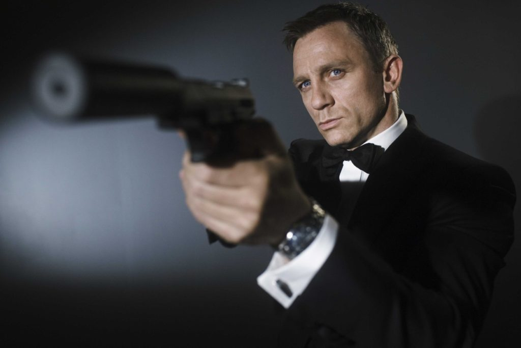 Lecții de masculinitatea de la James Bond