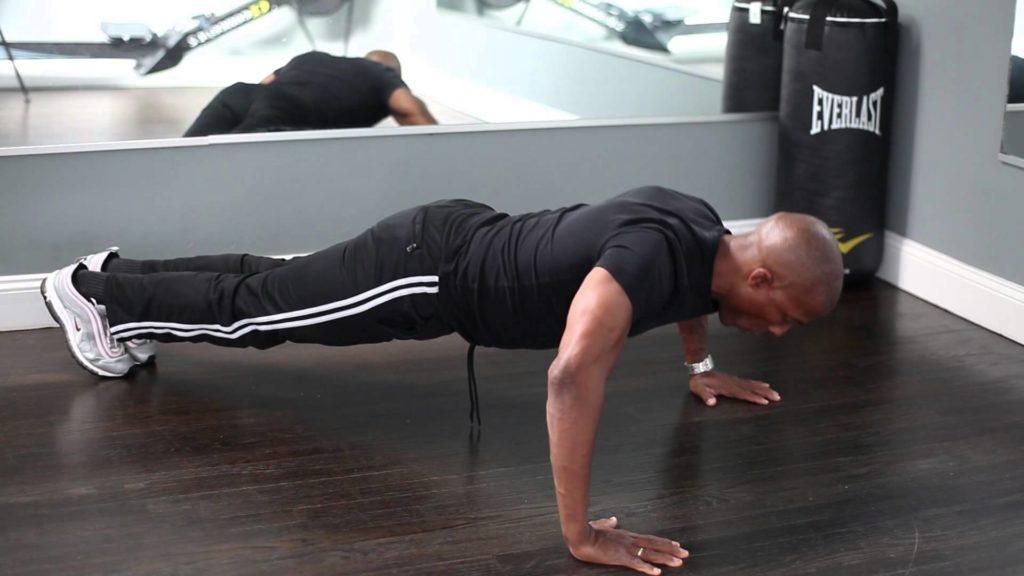 Exerciții ÎNAINTE DE SEX: pompează CORPUL CU HORMONii necesari